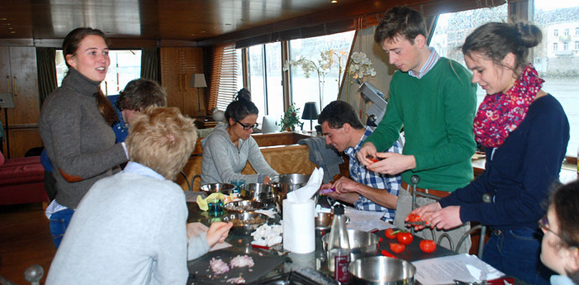 Cooking classes on board MS Elisabeth