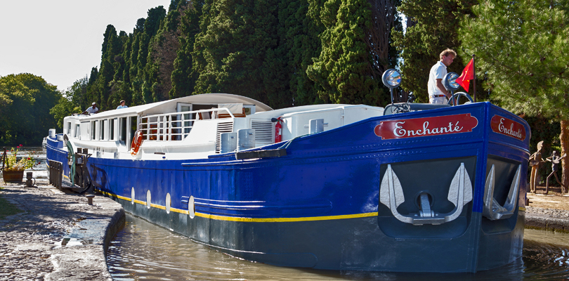 Enchante barge barge cruise on Canal du Midi in South of France