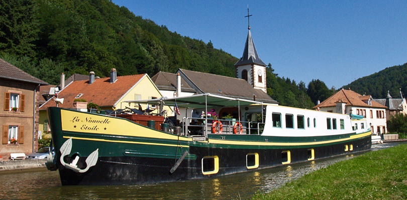 La Nouvelle Etoile barge cruise on the Moselle River in Germany and Luxembourg