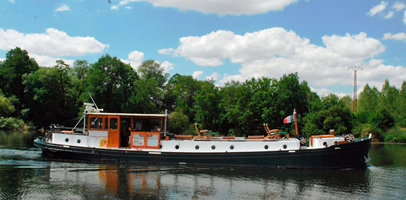 Randle barge cruise on Nivernais Canal, France