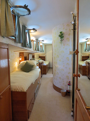 Papillon twin stateroom