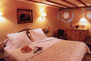 Renaissance king staterooms