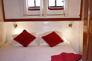 Athos cabins can be arranged with double or twin beds