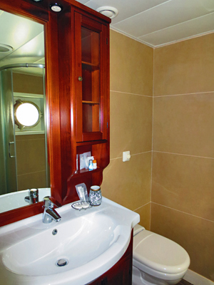 La Bella Vita ensuite bathrooms