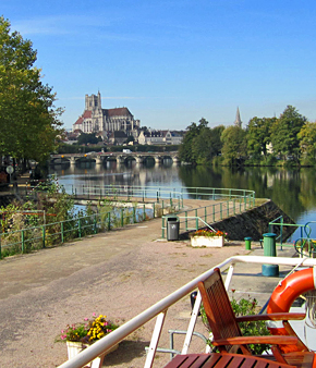 Auxerre, at the conflans of the Yonne River and Nivernais Canal