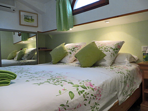 Choice of twin beds or double beds in each cabin