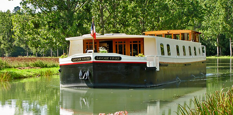 Savoir Vivre barge cruise on Southern Burgundy Canal, France
