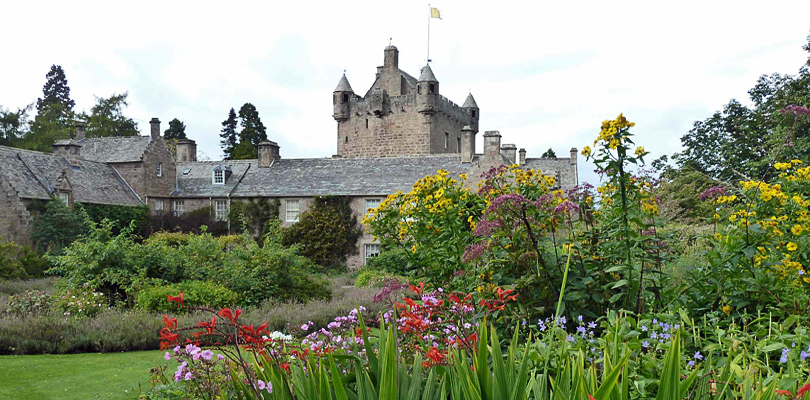 Scottish Highlander visits Cawdor Castle, home of Shakespeare's Macbeth